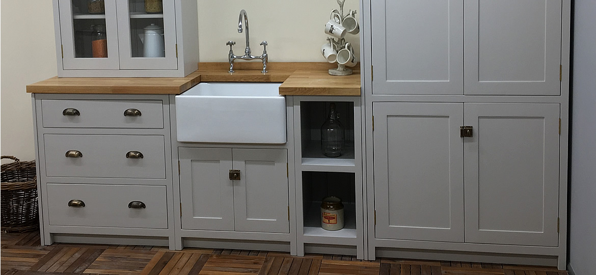 bespoke painted shaker kitchen in little greene french grey